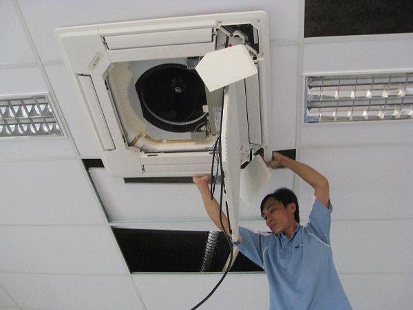 Hướng dẫn cách vệ sinh điều hòa âm trần Sumikura chi tiết nhất